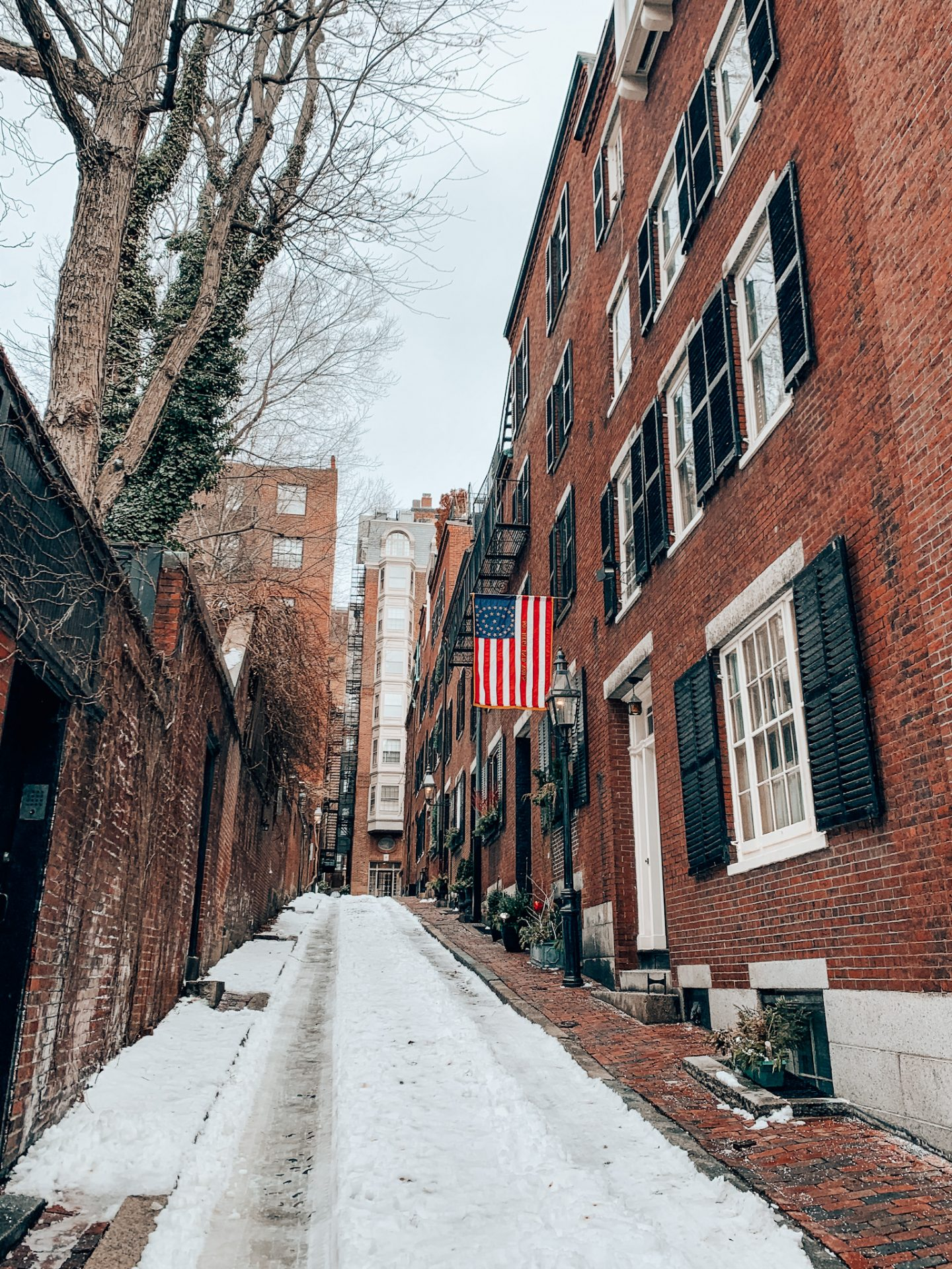Acorn Street is one of the most Instagrammable locations in Boston, MA